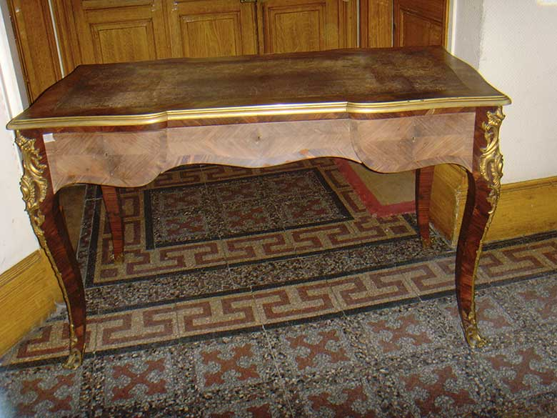 Avant restauration. Bureau Louis XV