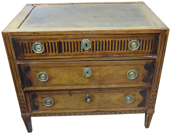Avant restauration. Commode Louis XVI